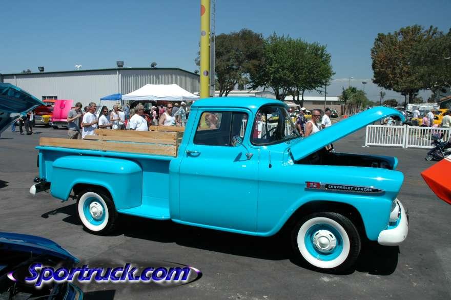 1959 Chevrolet Apache 32