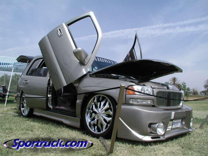 احدث انواع السيارات 2010 9